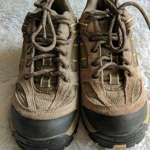 Columbia hiking shoes good shape some wear 6
